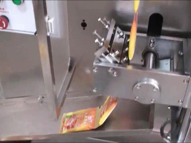 Top Y filling and packaging machines -Volumetric Cup Filler Chain Bag Running